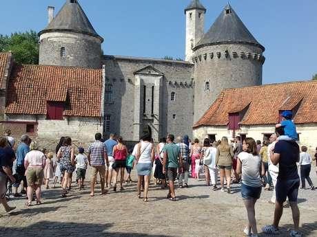 """Spectacle """"800 ans d'Histoire au château d'Olhain"""""""