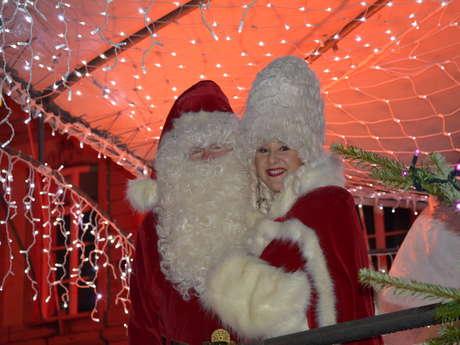 Mons Coeur en Neige Choir – Santa and Mrs Claus