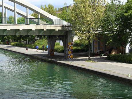 Balade le long du canal Saint-Denis à Vélo