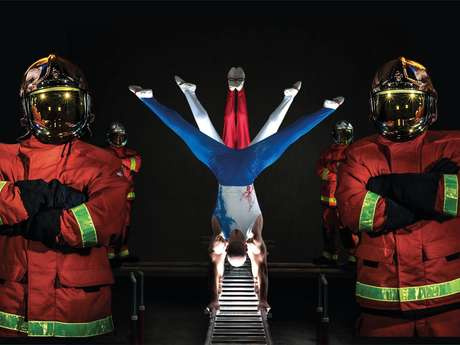 The firefighters of Paris make their show