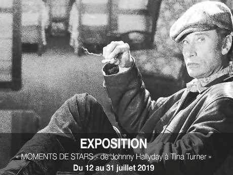 """EXPO """"MOMENTS DE STARS - DE JOHNNY HALLYDAY À TINA TURNER"""
