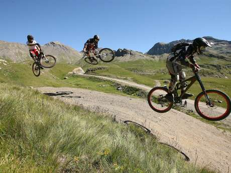 "Piste DH ""Les Estaris"""