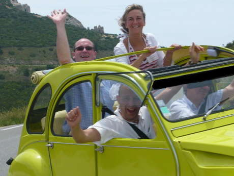 Car Rental of a mythical  2CV - 2'Moiselles