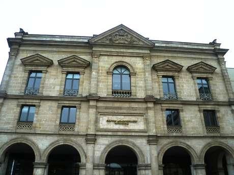 Les Halles et l'Hôtel des Postes