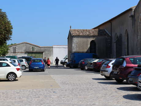 PARKING DE L'EGLISE