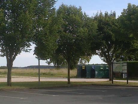 Aire de stationnement de Montlivault