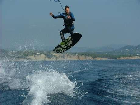 WAKE BOARD et WAKE SURF - WAKE SENSATION