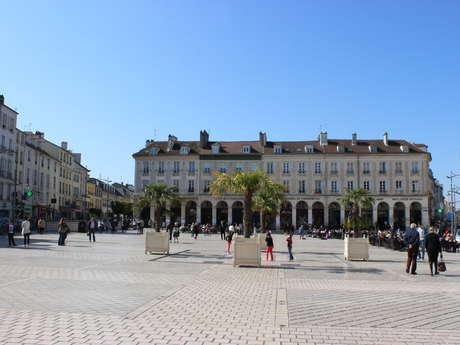 Place du Marché - Les Arcades