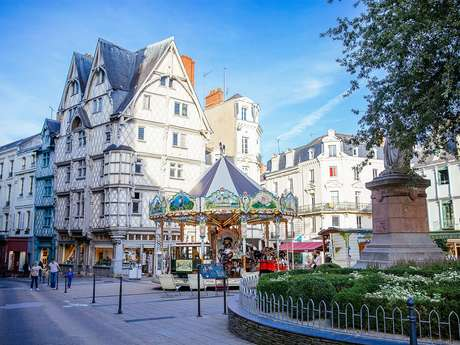 Flash tour: the historic center of Angers !