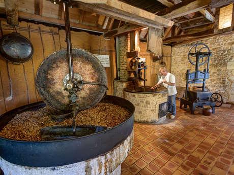 Ecomusée de la Noix du Périgord-Huilerie d'Aiguevive
