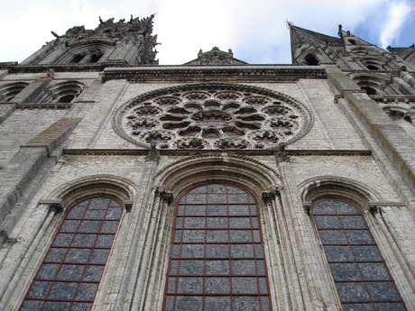 Les vitraux de la cathédrale créés par la Maison Lorin