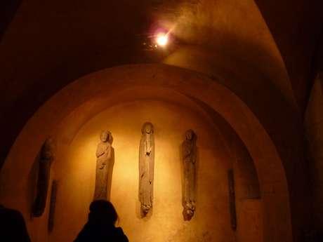 Visites guidées Chartres en lumières Privilège, la crypte de la cathédrale à la bougie