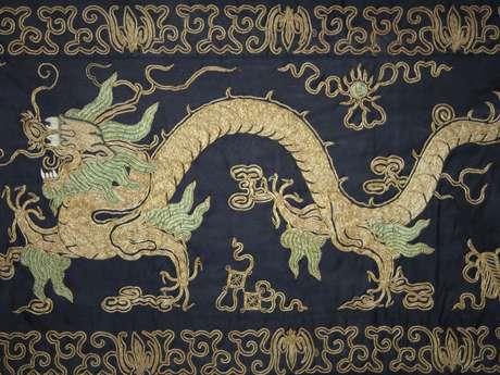 Atelier enfants au musée - Création d'un dragon