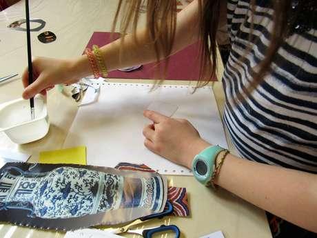 Atelier enfants au musée - Décoration d'une boîte à motif de carpe