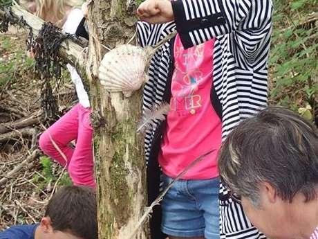 Atelier d'art plastique en forêt : L'arbre sensoriel