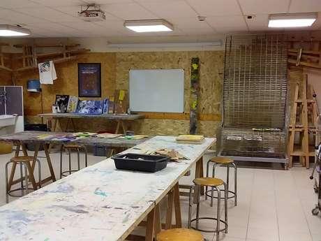 Stages d'arts plastiques  : Personnage gravé sur plâtre