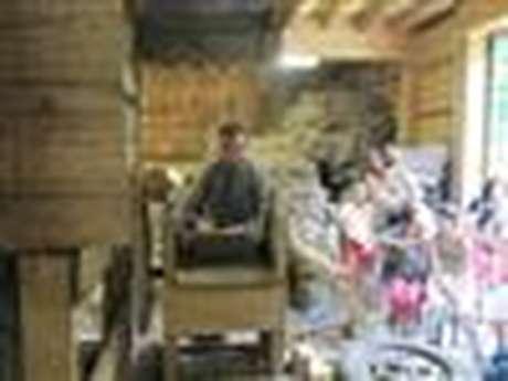 Visite du moulin et démonstration de teilllage de lin