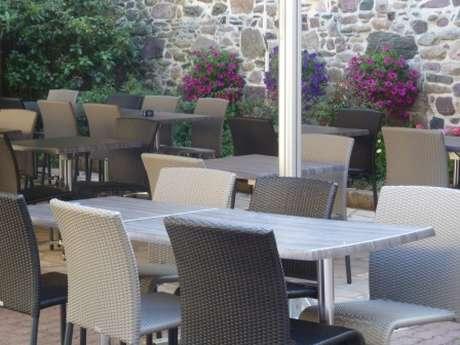 Hôtel - Restaurant Le Pontrev