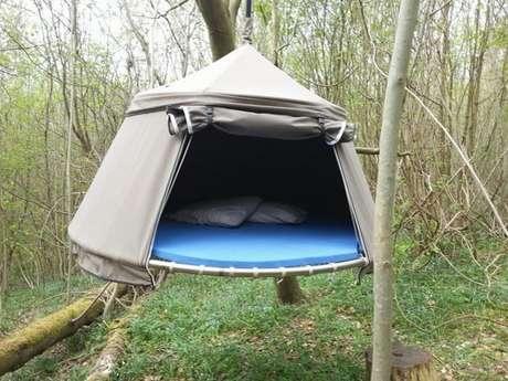 Les tentes suspendues du Domaine du Roc