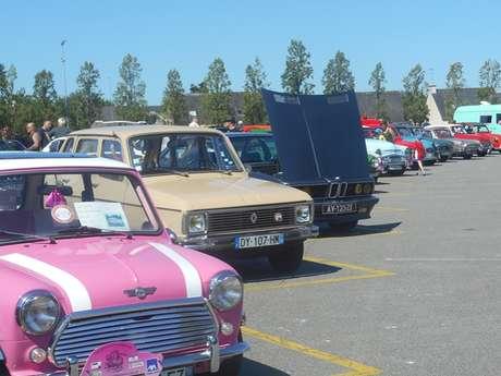 Exposition de voitures anciennes d'août
