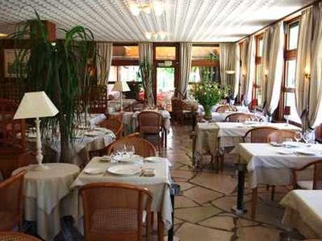 Hôtel - Restaurant des Pins