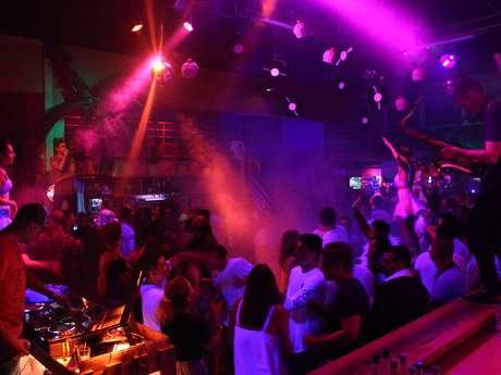 Le Kontiki Bar