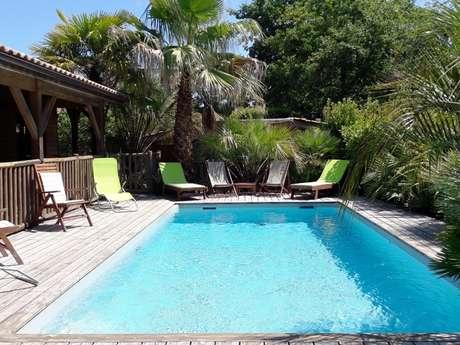 Villa bois 12 personnes avec piscine privée