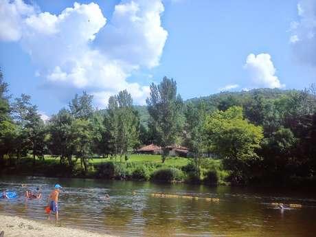 Baignade dans la rivière Lot à Puy l'Evêque