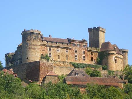"""Visite en Famille """"A la Recherche du Troubadour"""" au Château de Castelnau-Bretenoux"""