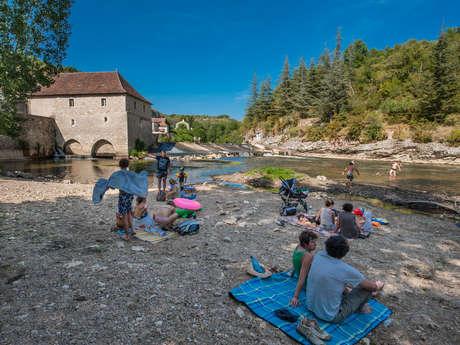 Baignade du moulin dans la rivière Célé - Cabrerets