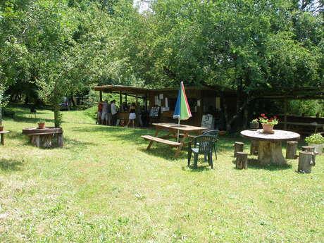 """Camping à la Ferme """"Le Lac Rouge"""""""