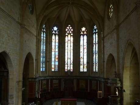 Église St Pierre à Gourdon
