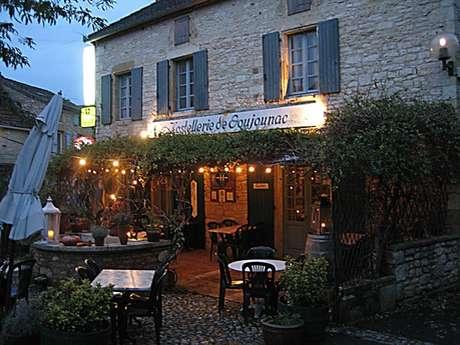 Hôtel Restaurant Bar Jardin - Hostellerie de Goujounac