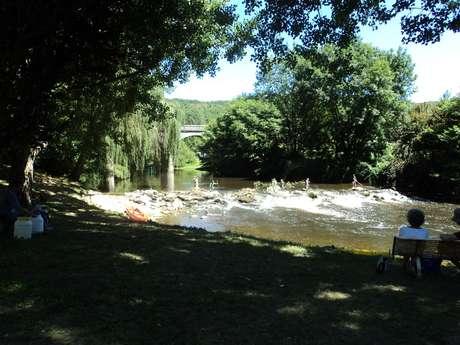Baignade dans la rivière Célé - Saint Sulpice