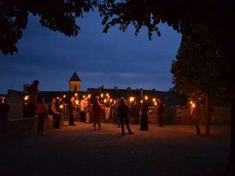Visite aux Flambeaux de la Cité Médiévale de Gourdon