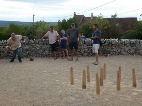Initiation aux Jeux de Quilles Traditionnels Occitans