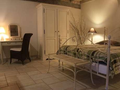 Chambres d' hôtes de charme la maison du bos - Chambre Blanche