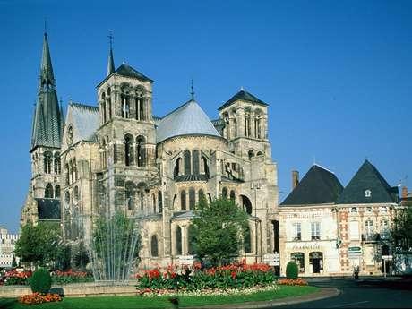 Collégiale Notre Dame en Vaux