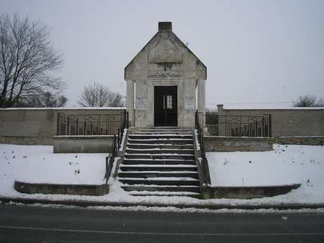 Chapelle commémorative du village détruit de Nauroy