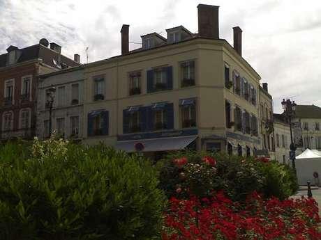 """Hôtel-Restaurant """"La Cloche"""""""