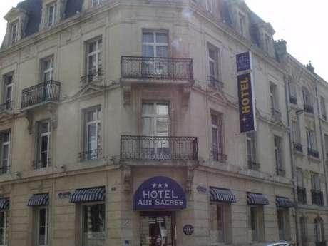 """Hôtel """"Brit Hotel Aux Sacres"""""""