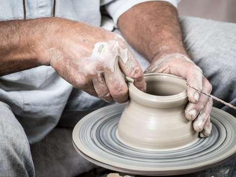 Stage de poterie pour les adultes