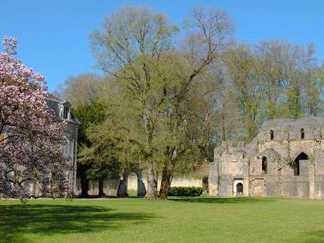 Visite libre du parc de l'abbaye et des vestiges de l'abbatiale du XIIe siècle