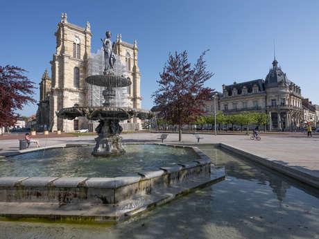 Les visites du mercredi à Vitry-le-François : visite commentée du coeur de ville et de l'espace scénographique