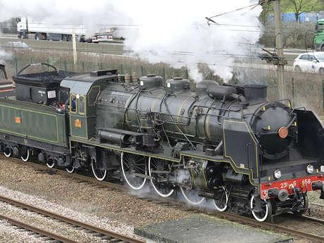 Découverte au rythme de la locomotive à vapeur  : Auffay, les vestiges de la Seconde Guerre Mondiale à la Ferme de Bonnetot sur les traces de Michel Hollard