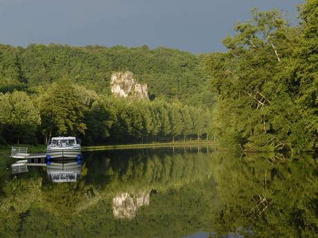 Les Canalous (location de bateaux habitables)