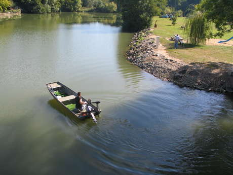 LOCATION DE BARQUES ET PEDALOS
