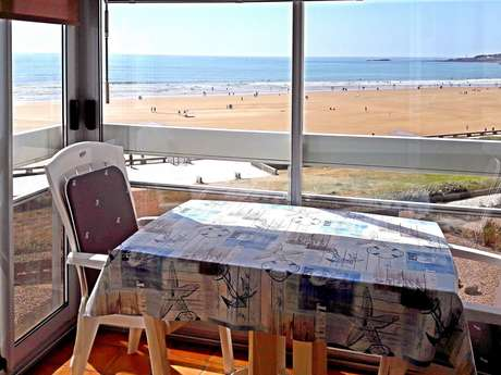 T2 - APPARTEMENT FACE MER GRANDE PLAGE -2/4 PERS