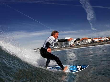 ECOLE DE SURF - GRANDE PLAGE DE ST GILLES