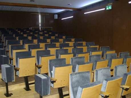 Auditorium Genyer